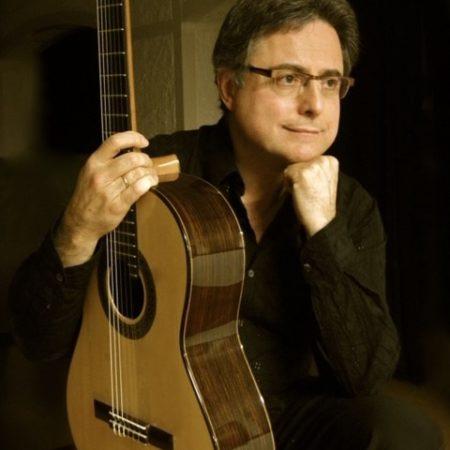 Imatge del concertista i professor de guitarra clàssica Guillem Pérez-Quer.
