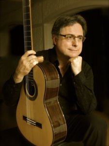 Imagen del concertista y profesor de guitarra clásica Guillem Pérez-Quer.